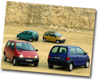 4 voitures Twingo de couleurs différentes